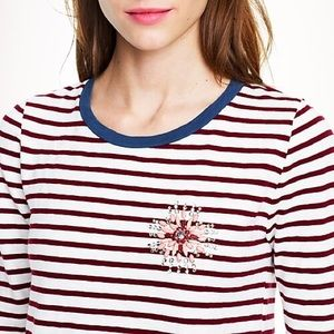 Stripe painter tee with jeweled brooch in Large
